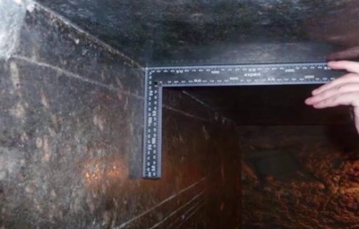mystery-of-24-alien-black-boxes-discovered-near-egypt-s-great-pyramid